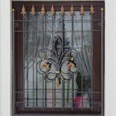 Fenstergitter Stahl mit Spitzen